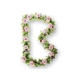 Wianek kwiatów BASIL ROSES FLOWER GARLAND
